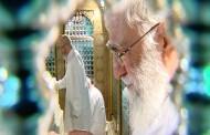 فیلم خام غبارروبی مضجع مطهر حضرت امام رضا (علیهالسلام) با حضور رهبر انقلاب