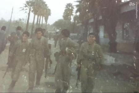 سمبل ۱۴ساله مقاومت در اردوگاه «رُمادی»/ افتخار نماینده صلیب سرخ به کودک انقلابی ایران