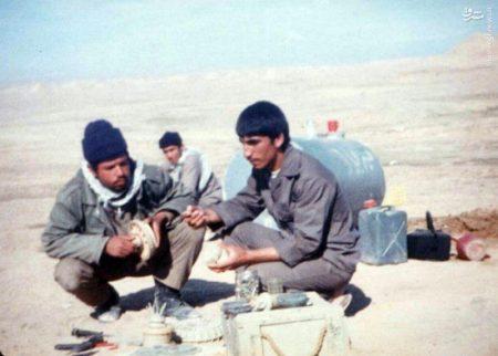 شهیدی که برای عراقی ها کلاه تکان می داد